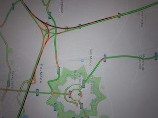 Schermata della mappa di Google che mostra la situazione del traffico sull'autostrada A4.